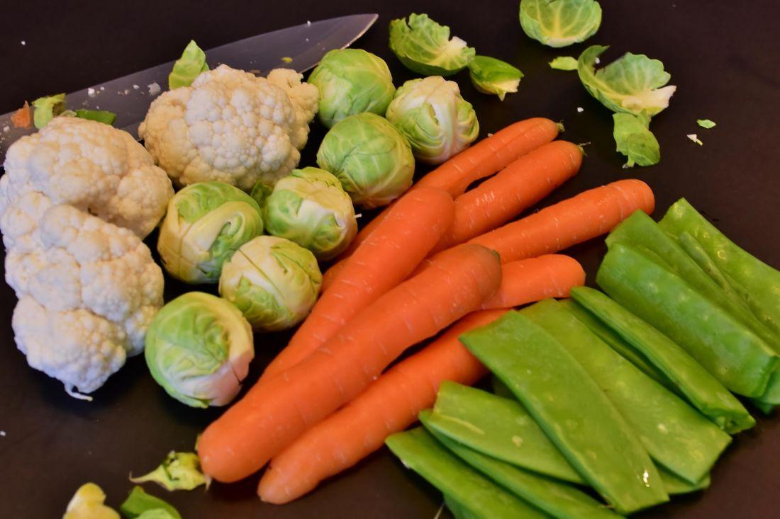 hrana, povrće, salata, mrkva, luk, rajčica, dijeta, prehrana