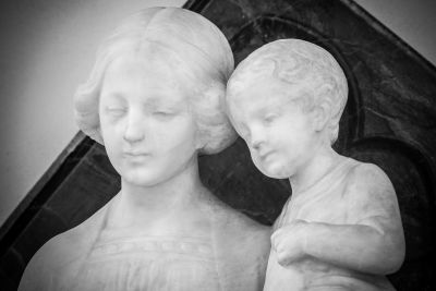 madre, figlio, pietra, statua, scultura, dettaglio, marmo, arte, bianco e nero