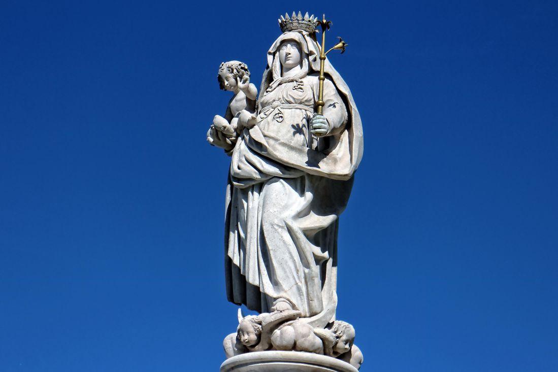 sculpture, statue, art, sky, monument, pedestal, structure