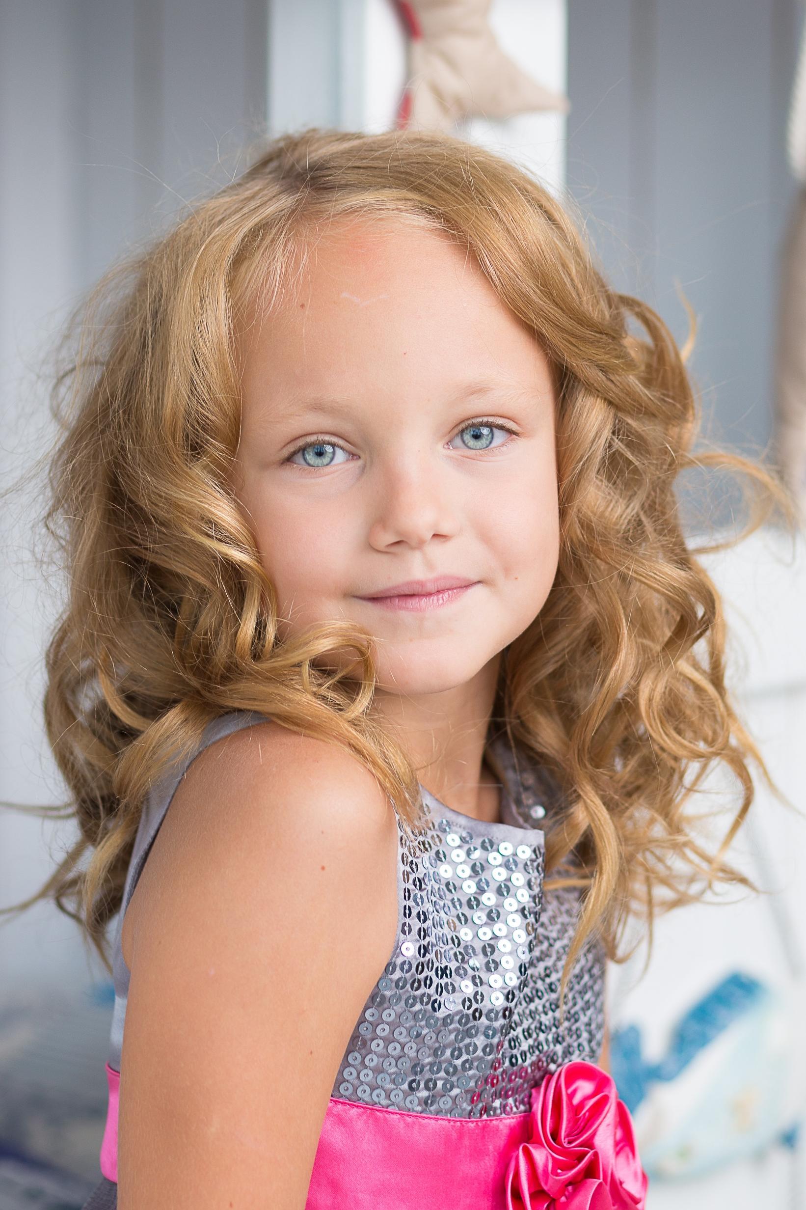 free picture: child, cute, girl, pretty, portrait, attractive, person