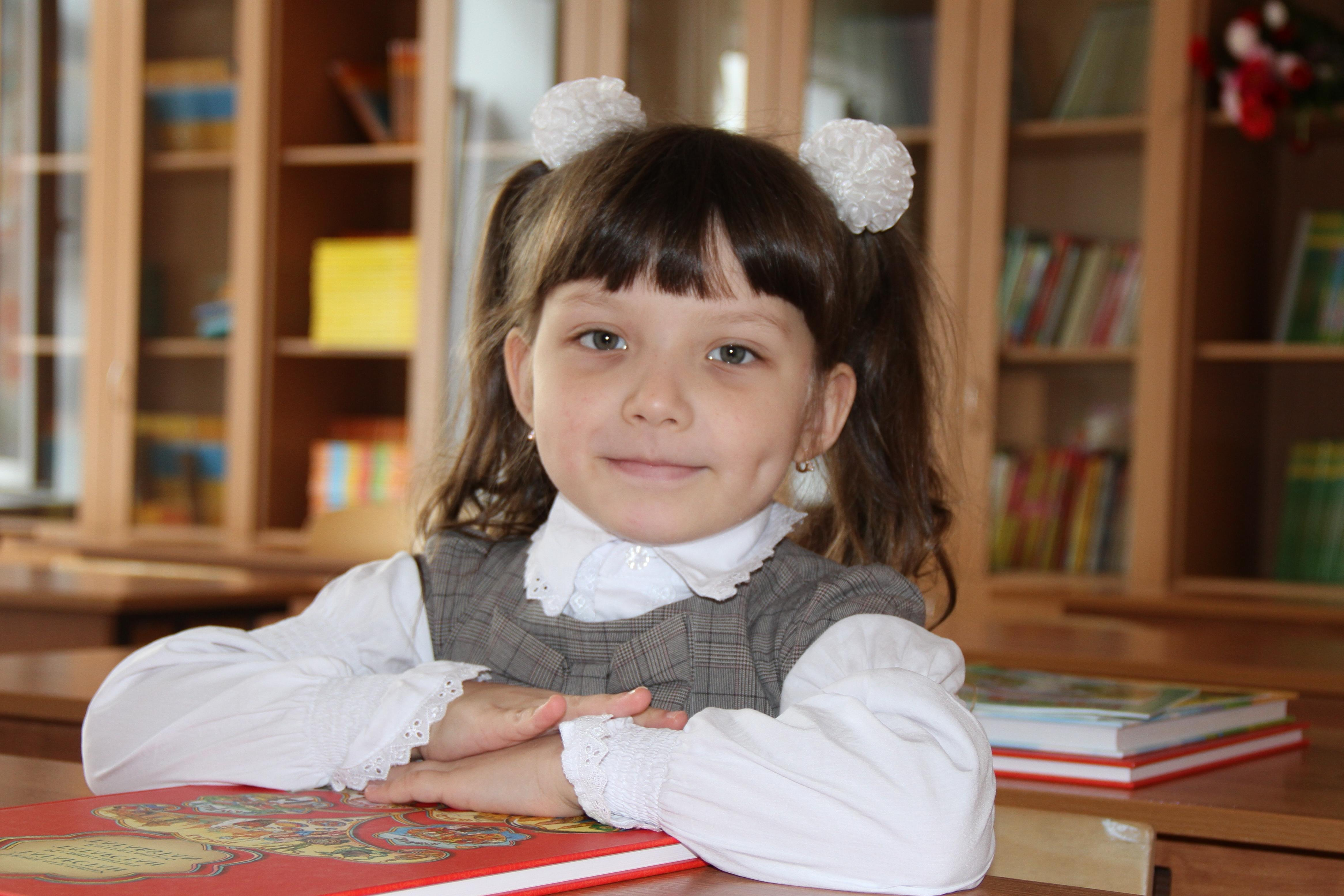 Free picture: child, education, school, knowledge, indoors, book, homework
