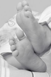 baby, newborn, foot, hand, person, monochnome, child, human, son