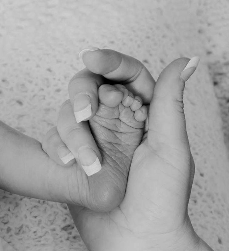 foot, baby, hand, child, barefoot, skin, newborn, woman