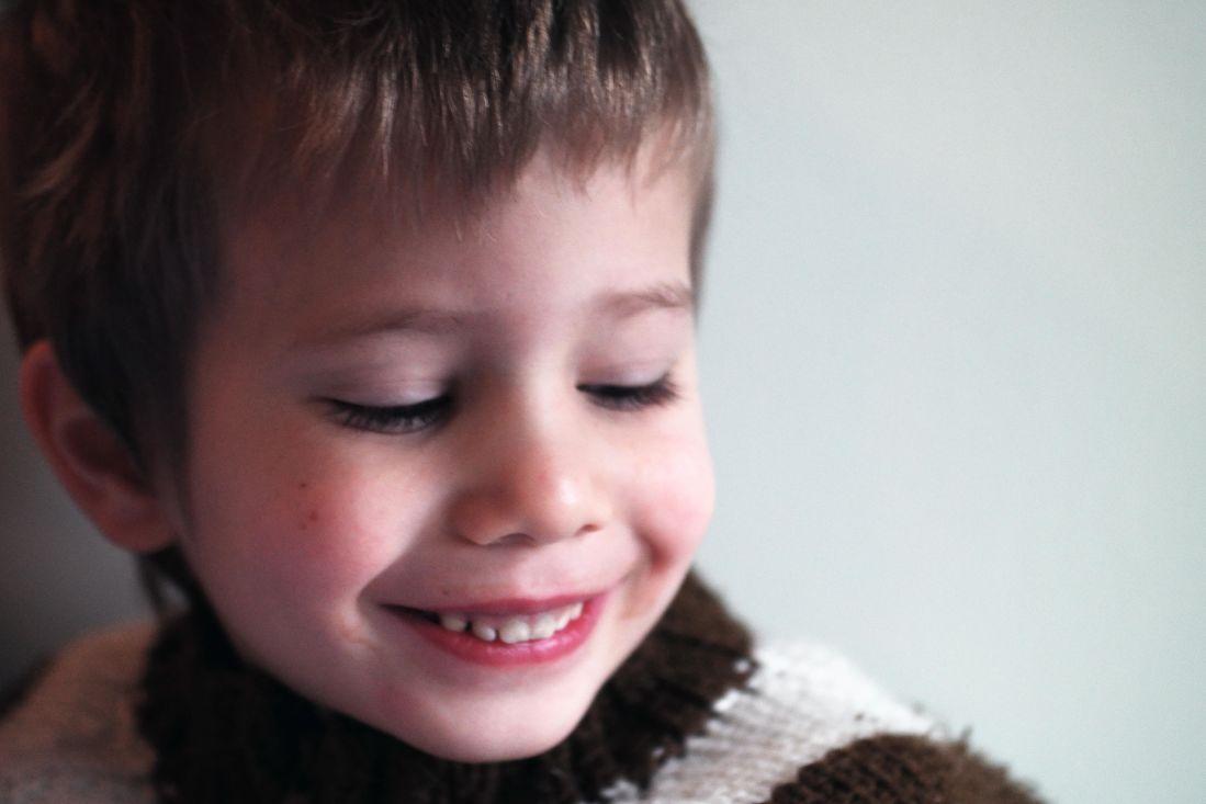 Kind, Lächeln, junge, Sohn, Portrait, Menschen, hübsch, Person, Gesicht, Wand, innen