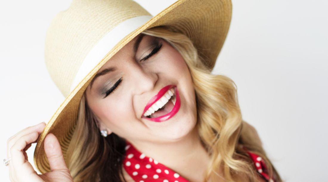 femme, mode, jolie fille, sourire, chapeau, visage, portrait, attrayant, la peau