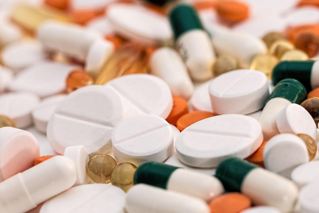 tabletta, étrend-kiegészítők, kapszula, kezelés, gyógyszer, receptre kapható, egészségügyi ellátás