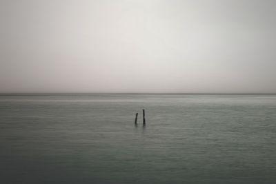 Monochrom, Wasser, Nebel, Meer, Sonnenuntergang, Dämmerung, Strand, Welle, Landschaft, Meer, grau