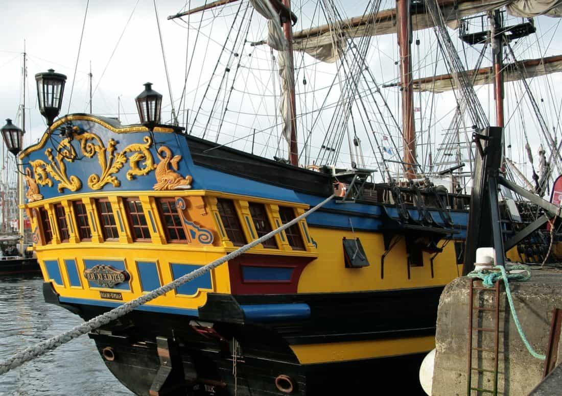 l'embarcation, navire, bateau, véhicule, eau, port, mer, urbain