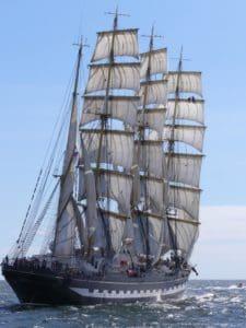 Wasserfahrzeuge, Schiff, Segel, Segelboot, blauer Himmel, Mast, Boot, Marine, Fregatte