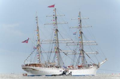 плавателни съдове, кораб, платно, платноходка, лодка, синьо небе, море, вода, пристанището