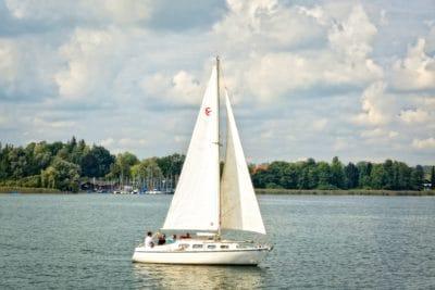 water, watercraft, vehicle, sailboat, boat, yacht, lake, cloud