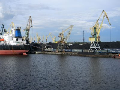 Wasserfahrzeuge, Hafen, Schiff, Frachter, urban, Industrie, Wasser, Pier und Hafen