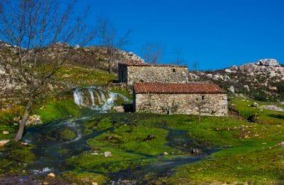 architecture, paysage, maison, ancienne, nature, arbre, ciel bleu, champ, extérieur