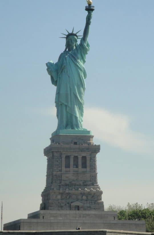 architecture, sculpture, blue sky, statue, sky, daylight, pedestal