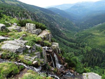 niebla, montaña, paisaje, naturaleza, Valle, agua, cielo azul, madera