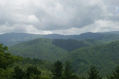 pegunungan, lansekap, pohon, kabut, puncak gunung, hutan, geologi, alam, kayu, langit, Kolam