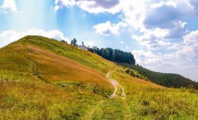 풍경, 자연, 잔디, 힐, 스카이, 필드, 농촌, 목장, 푸른 하늘, 운, 초원