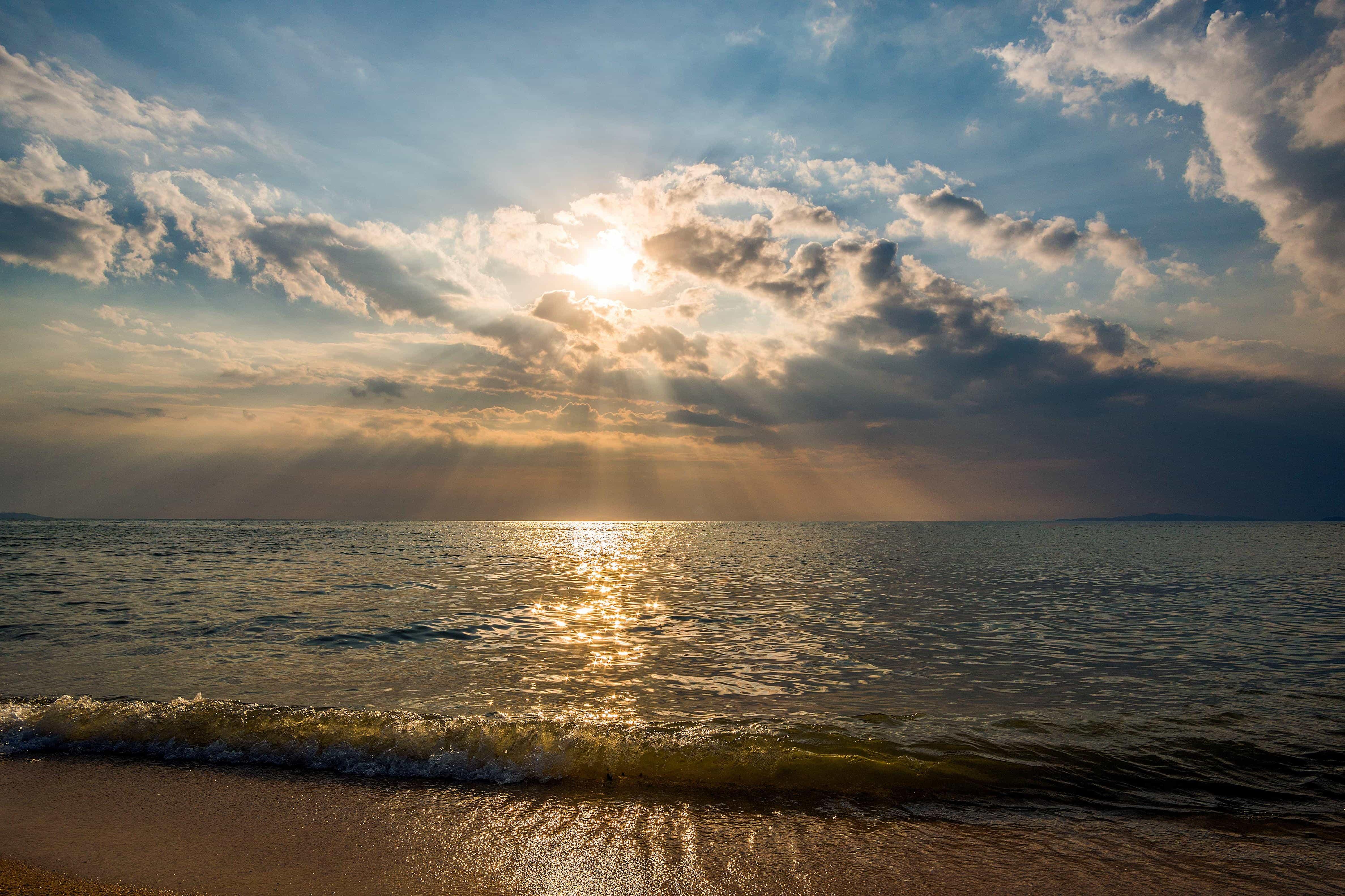 Imagen gratis: luz solar, sol, nube, Pacífico, agua, playa
