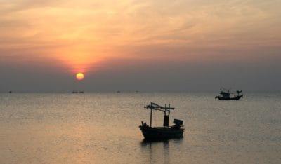 water, sunrise, ship, mist, pacific, sunlight, sea, dawn, watercraft, ocean, boat, beach