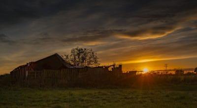 amanecer, la luz del sol, nube, granja, amanecer, paisaje, granero, estructura