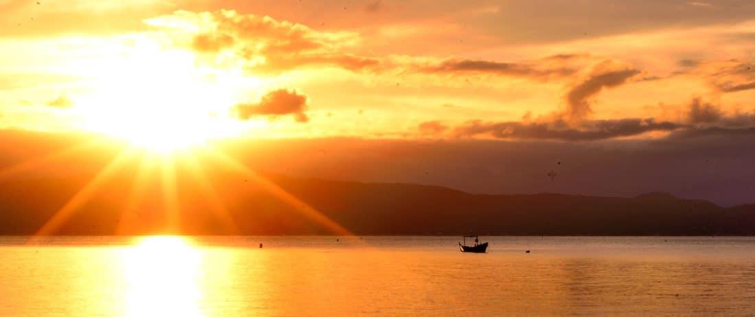 sunrise, sunlight, sunshine, dawn, water, sun, sea, dusk, beach, sky, outdoor