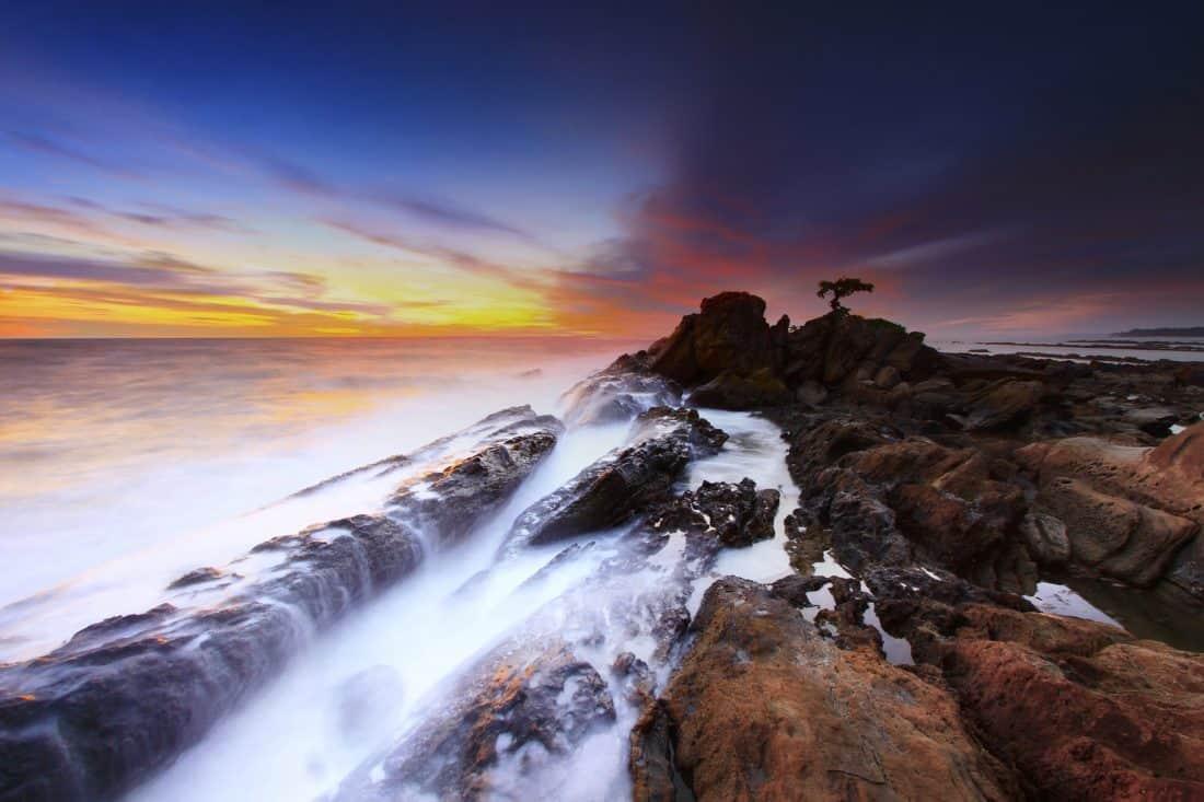Ανατολή του ηλίου, νερό, τοπίο, σιλουέτα, παραλία, ωκεανό, θάλασσα, ακτές, βουνό