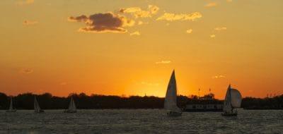 agua, amanecer, velero, nube, luz del sol, embarcación, velero, amanecer, vehículo, cielo