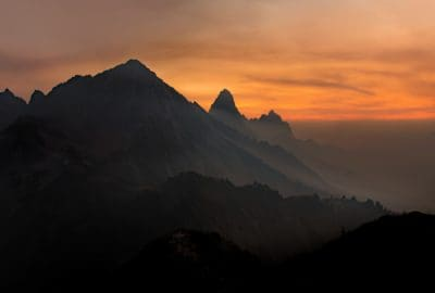 Alba, sole, alba, montagna, ombra, oscurità, nebbia, retroilluminato, natura all'aperto, cielo,