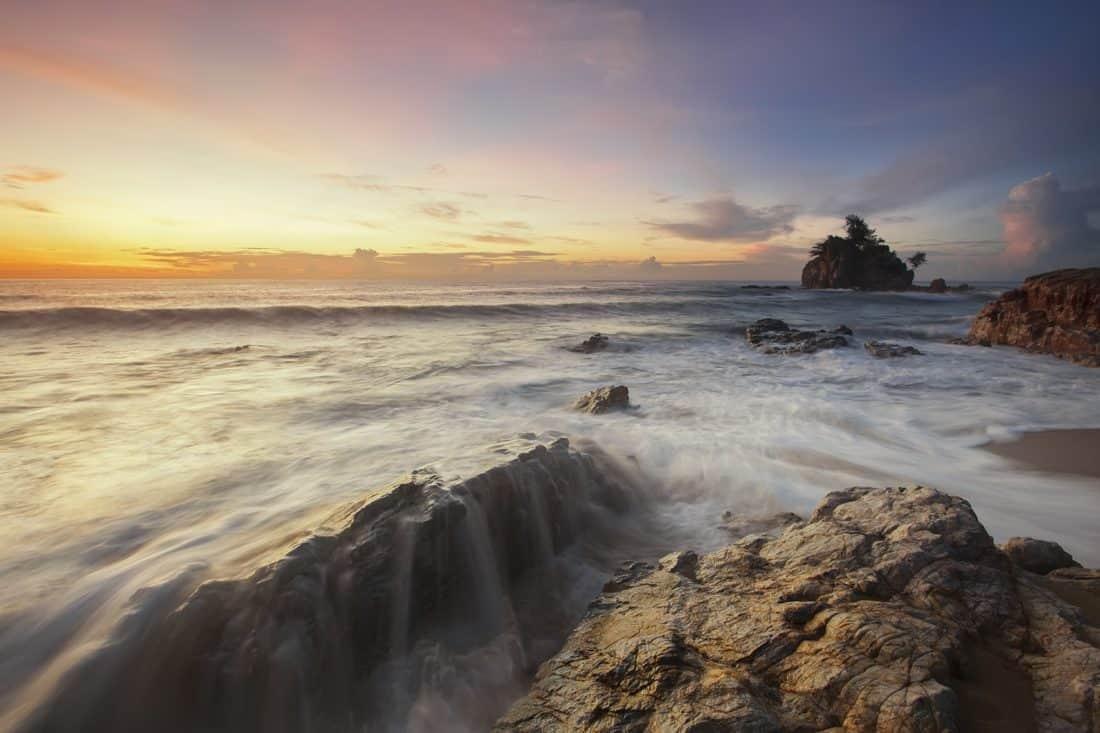 Alba, sagoma, pietra, acqua, spiaggia, alba, mare, umidità, oceano, crepuscolo, seashore