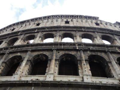 Colisée, amphithéâtre, stade, architecture ancienne médiévale, Rome (Italie)