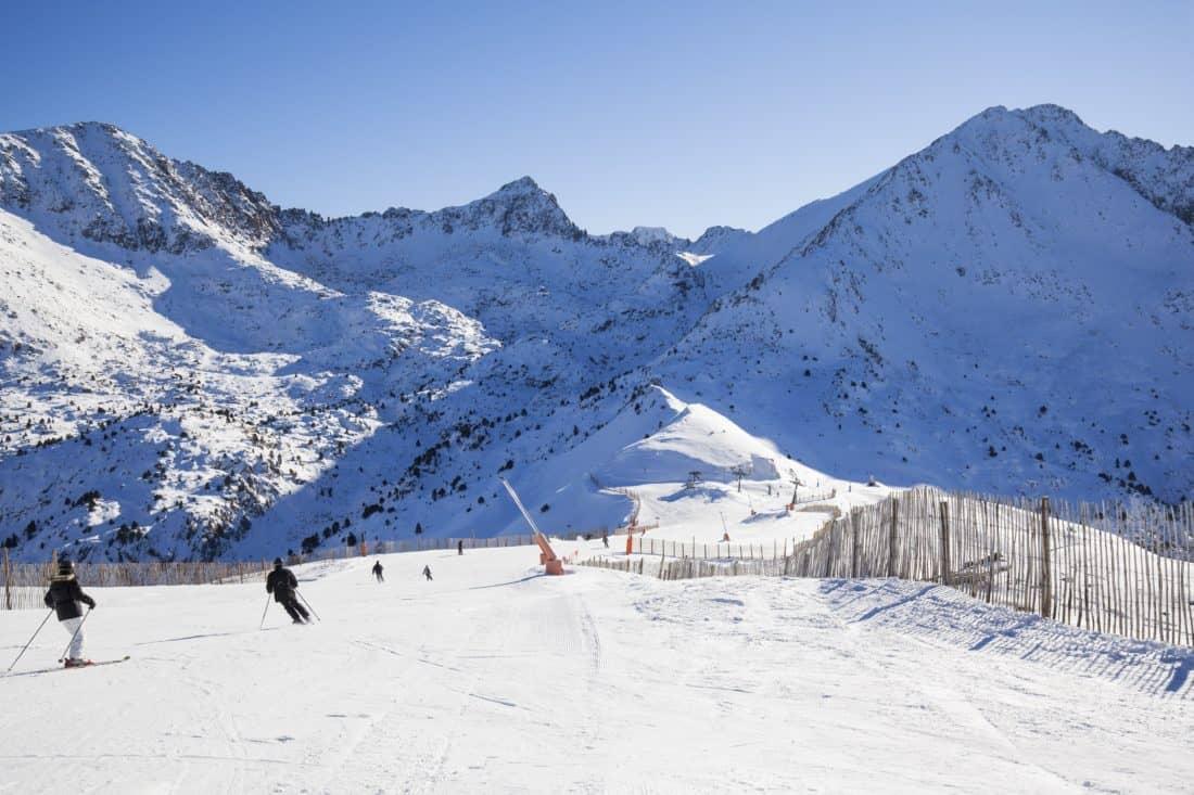 image libre neige montagne ski sport ciel bleu hiver froid skieur glace paysage. Black Bedroom Furniture Sets. Home Design Ideas