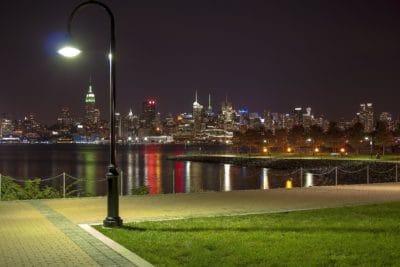 město, tmavé, architektura, tráva, panoráma města, řeky, obloha, centrum města