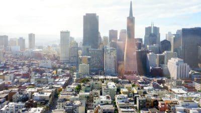 Stadt, Stadtbild, Innenstadt, blauer Himmel, Gebäude, Architektur, Modern, urban