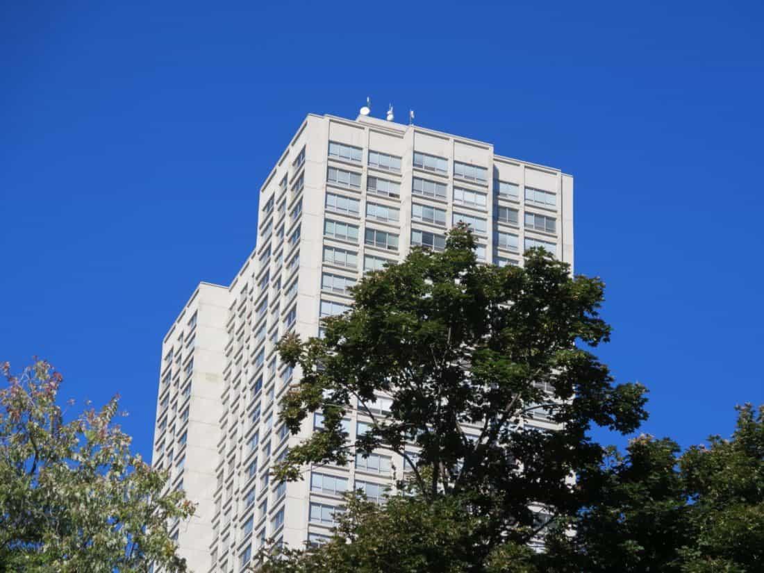 Kostenlose bild architektur blauer himmel stadt for Moderne architektur gebaude