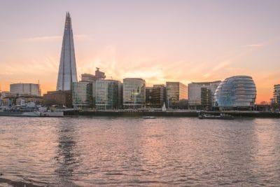 puesta del sol, edificio, ciudad, arquitectura, agua, río, paisaje urbano, centro de