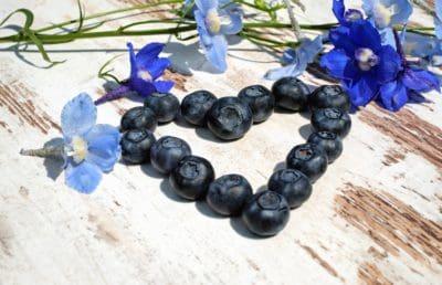 flor, fruta, bayas, arándanos, corazón, tabla, madera