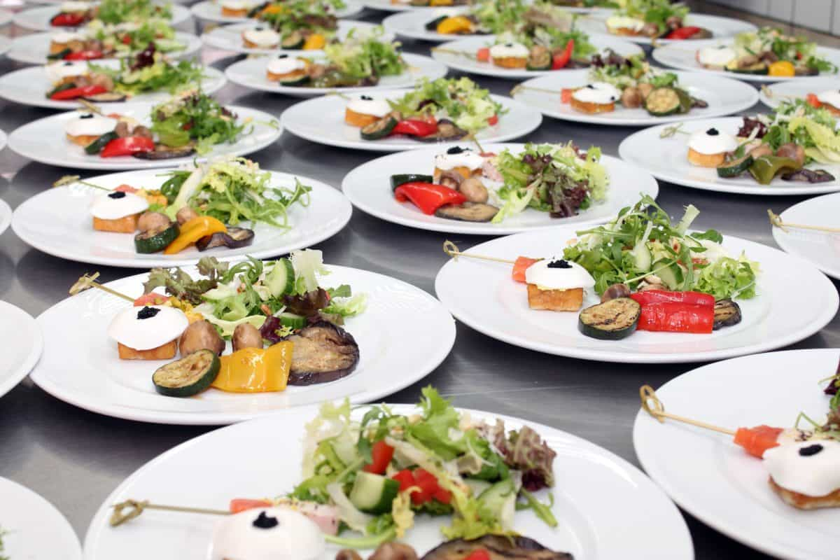 Geschirr, Essen, Essen, Abendessen, kulinarisch, Mittagessen, Restaurant, Besteck