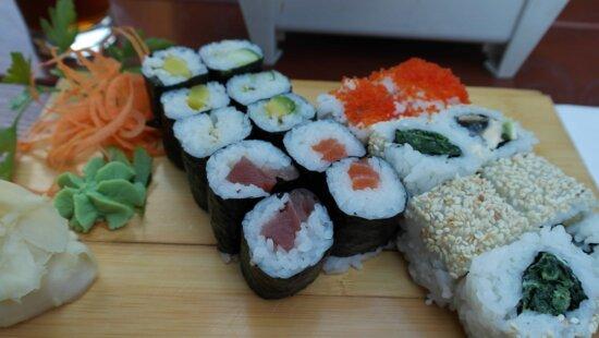 food, caviar, kitchen table, sushi, rice, seafood, tuna, fish