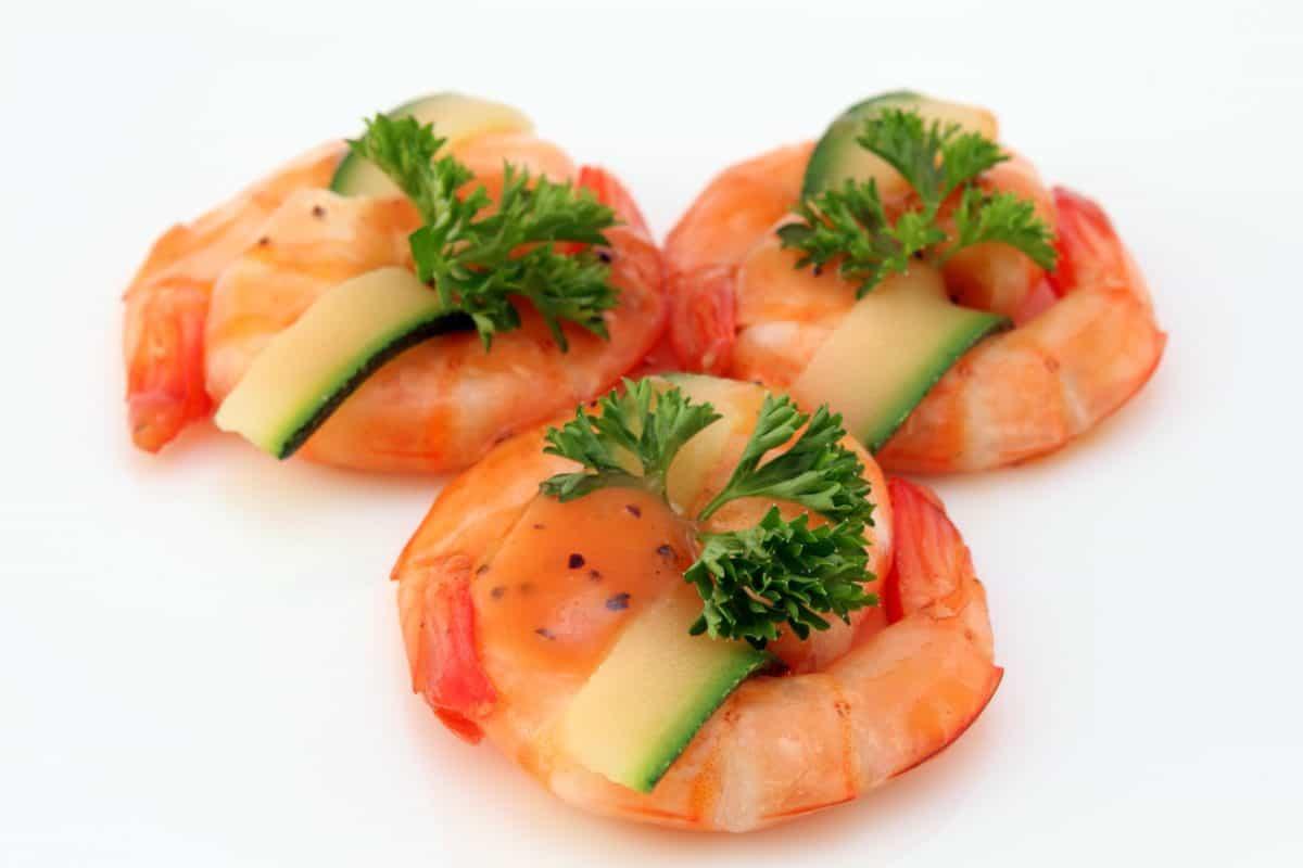 plody mora, jedlo, ryby, večera, losos, obed, chutné, šalát