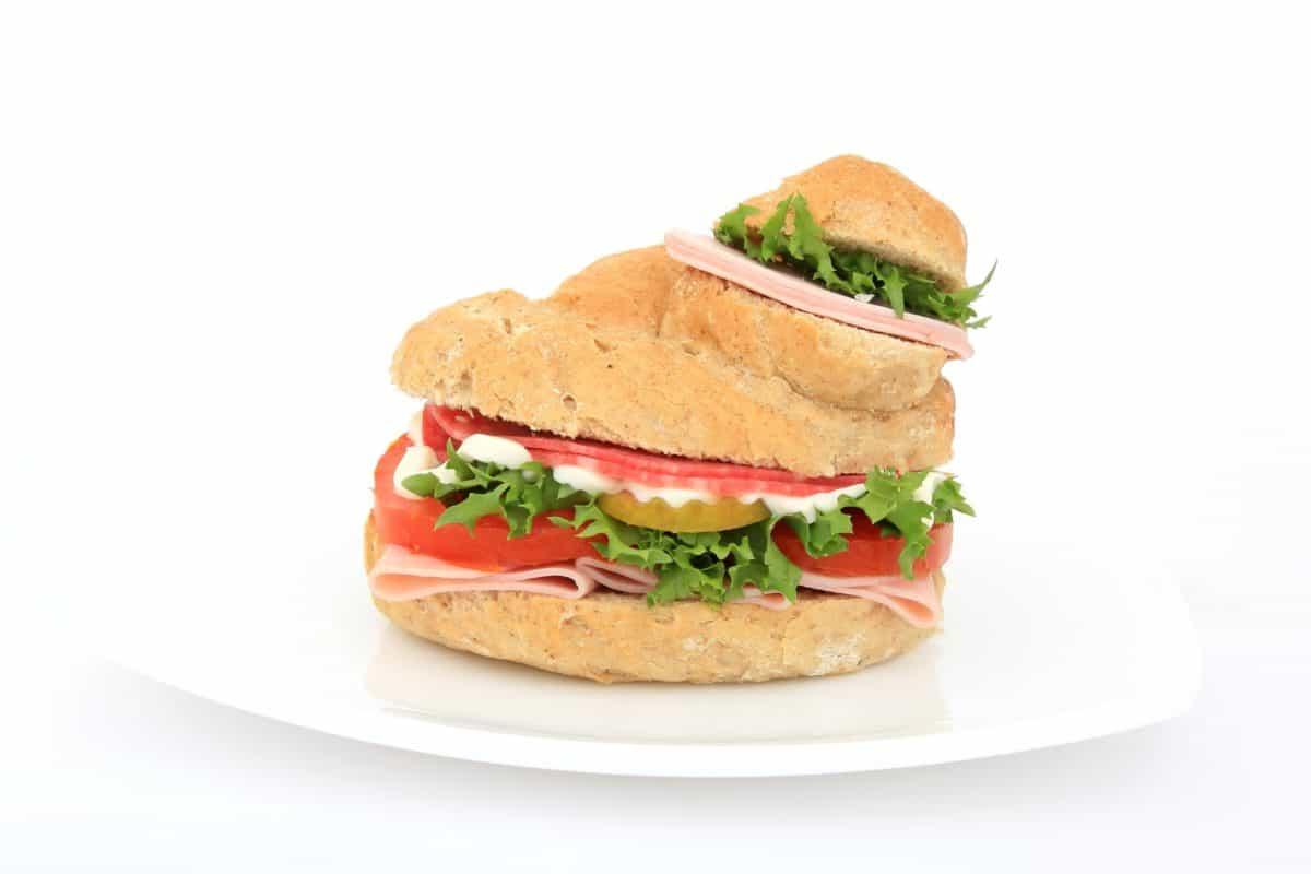 อาหาร ผักกาดหอม ชีส อาหาร อาหารกลางวัน มะเขือเทศ แซนด์วิช ขนมปัง