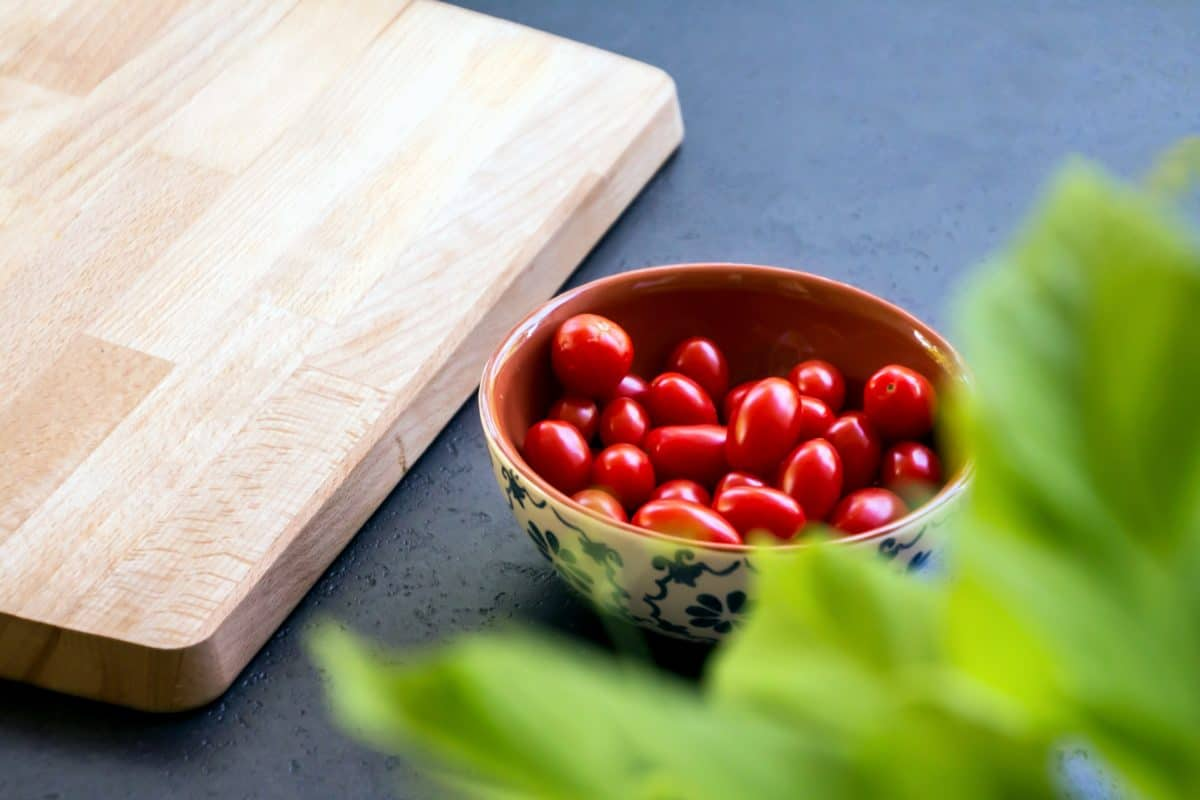 table, wooden, food, nutrition, wood, cranberry, berry, fruit