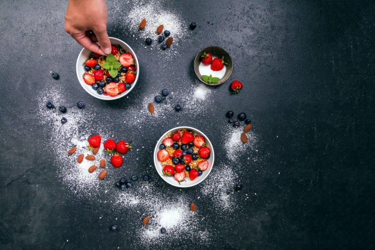 fruit, dessert, food, strawberry, sugar, bowl, hand, organic, vitamin