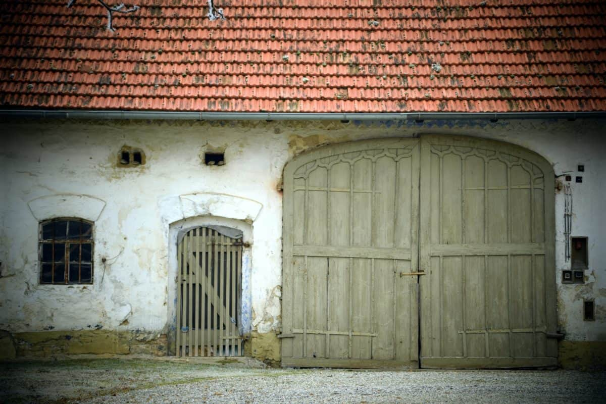 old, house, front door, architecture, rural, facade, doorway, garage