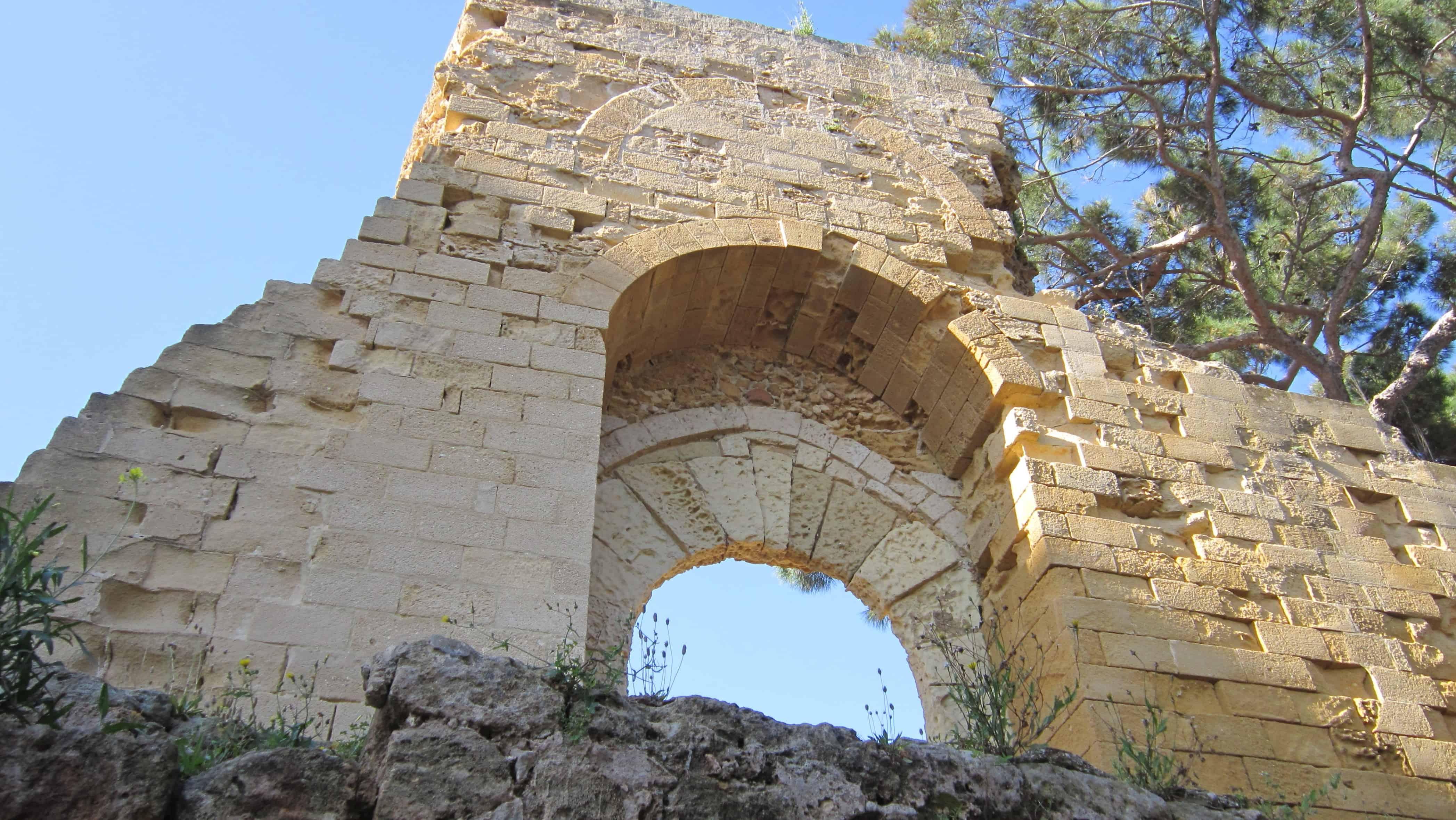 Imagen gratis la pared de piedra antiguo medieval for Definicion exterior