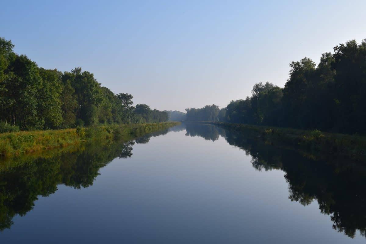 riverbank, reflection, river, sky, landscape, nature, lake, blue sky, daylight, water