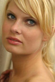 femme, mode, portrait, attrayant, maquillage pour le visage, cheveux blonds, peau