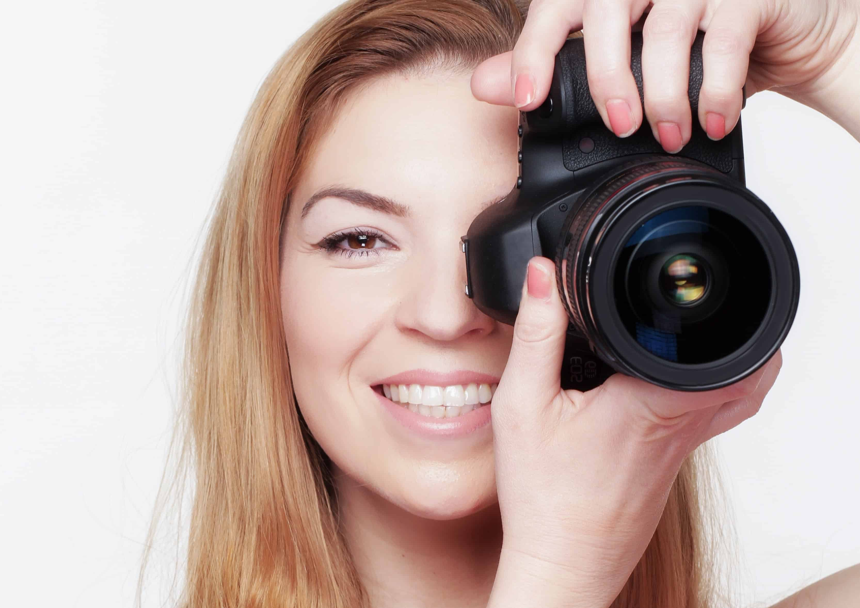 какие фотоаппараты снимают по улыбке