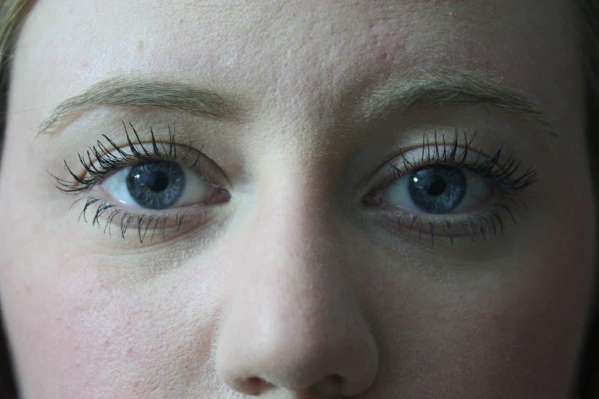 Naisen muotokuva, ihmiset, silmä, muoti kasvot, tyttö, kulmakarvojen