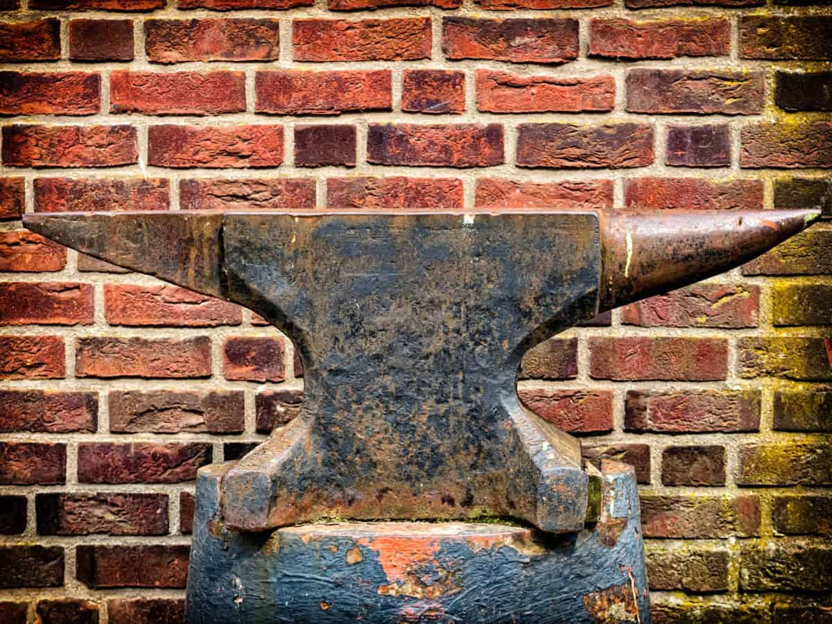 tool, iron, anvil, metal, wall, brick, steel