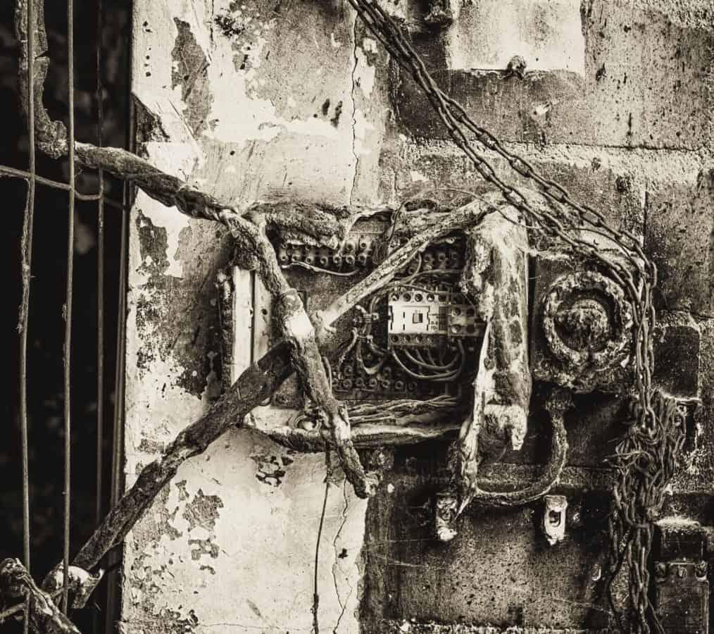 electricity, cable, monochrome, object, voltage, fuse, antique